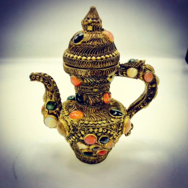 Antique 19th Century Tibetan Copper and Gold Filigree Flagon With Polished Agate Gemstones - Image 10 of 10