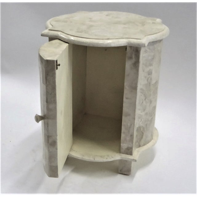 Hollywood Regency Tesselated Fossil Stone Nightstand End Table from Marquis Collection of Beverly Hills For Sale - Image 3 of 11