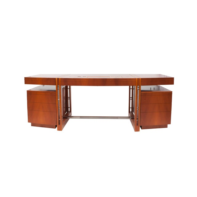 High-end desk of the Tresserra collection. It's one of the most emblematic pieces of the collection, designed in 1988....