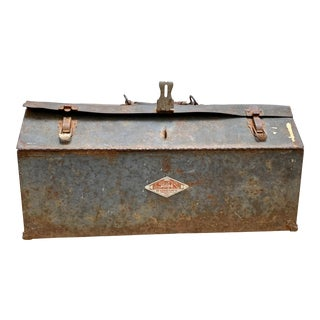 Antique Rustic Farmhouse Toolbox For Sale