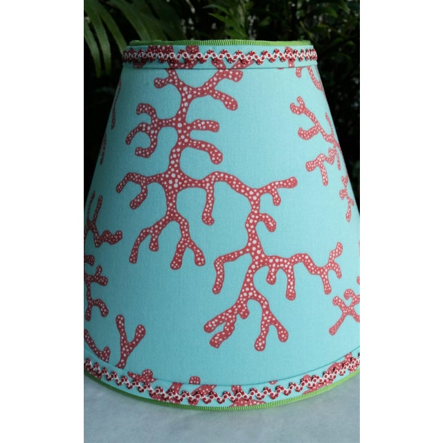 Lee Jofa Lilly Pulitzer Fabric Lampshade Blue Red Clip On For Sale - Image 4 of 11