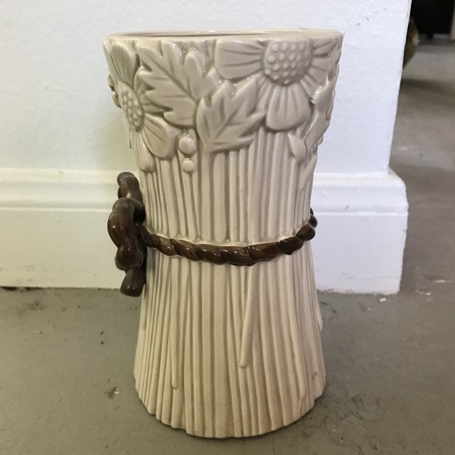 Cottage Fitz & Floyd Flower Bunch Vase For Sale - Image 3 of 4