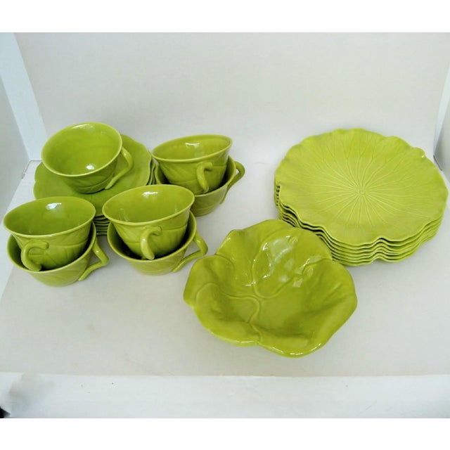 Chartreuse Porcelain Tea Service, 22 Pieces For Sale In Los Angeles - Image 6 of 10