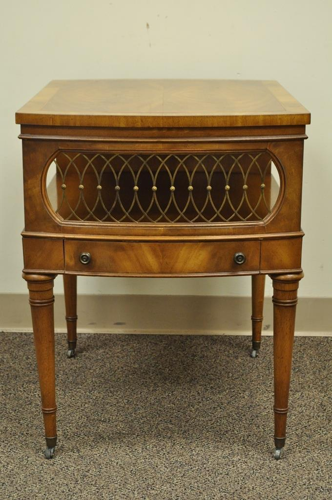 Vintage Weiman Regency Style Banded Crotch Mahogany Side End Lamp Accent  Table   Image 2 Of