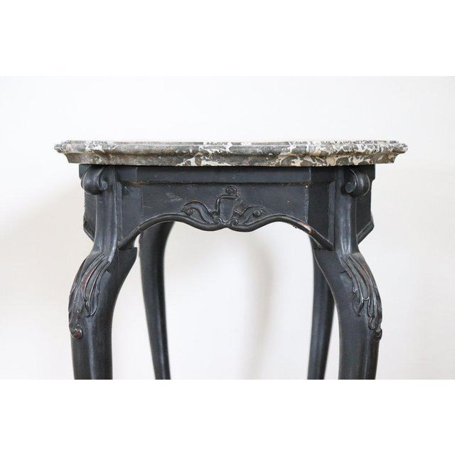 18th Century Italian Louis XV Walnut Carved Center Hall Table With Marble Top For Sale - Image 4 of 13