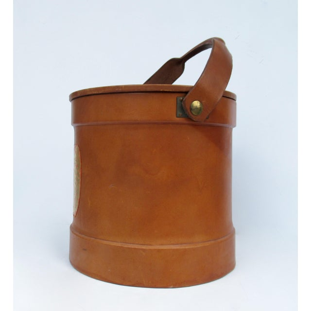 Aldo Tura Vintage Italian Ralph Lauren-Style Tooled Saddle Leather Oversized Traveling Cooler, Wine Holder And/Or Ice Bucket For Sale - Image 4 of 13