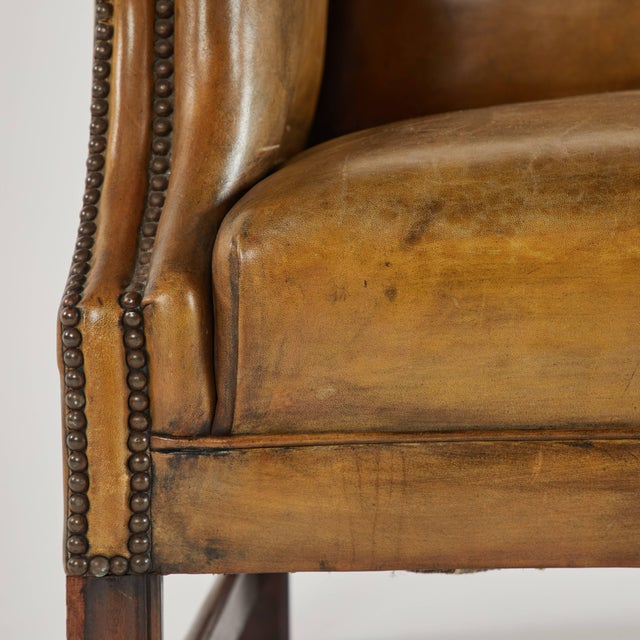 Edwardian Early 20th Century Leather Settee Sofa on Mahogany Base For Sale - Image 3 of 7