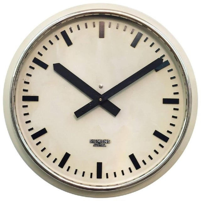 Austrian Factory Clock from Siemens, 1955 For Sale - Image 5 of 5