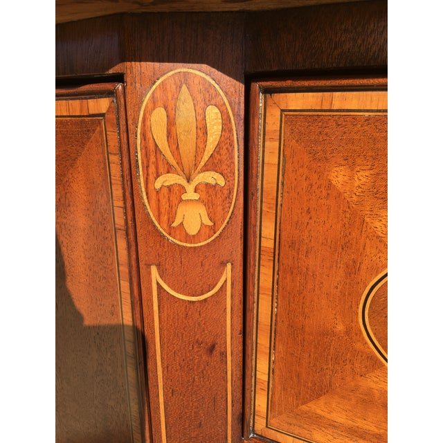 Hepplewhite Early 20th Century Mahogany Inlaid Sideboard For Sale - Image 3 of 11