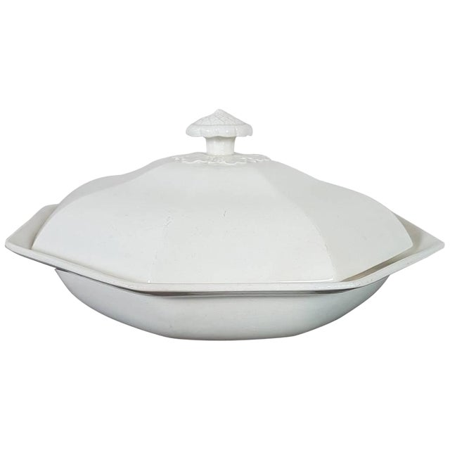 20th Century Italian Neoclassic Style White Ceramic Soup Tureen, 1920s For Sale