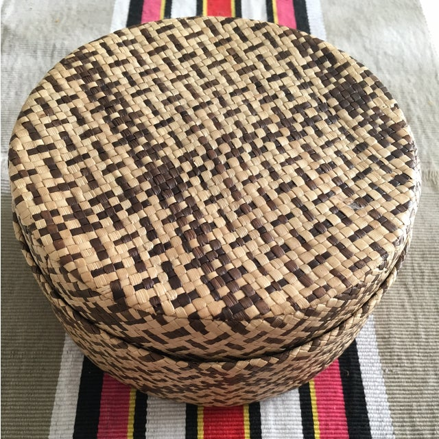 Vintage Woven African Round Box With Lid - Image 7 of 8