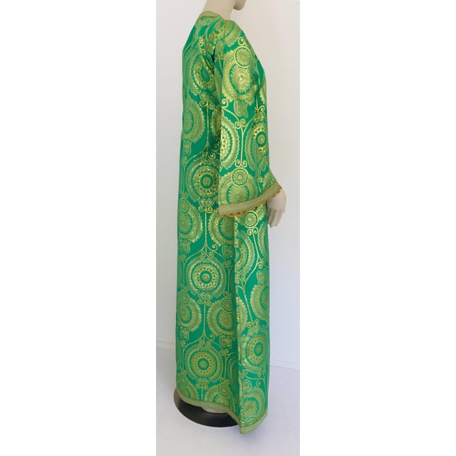 Elegant Moroccan Caftan Lime Green and Gold Metallic Floral Brocade For Sale - Image 10 of 13