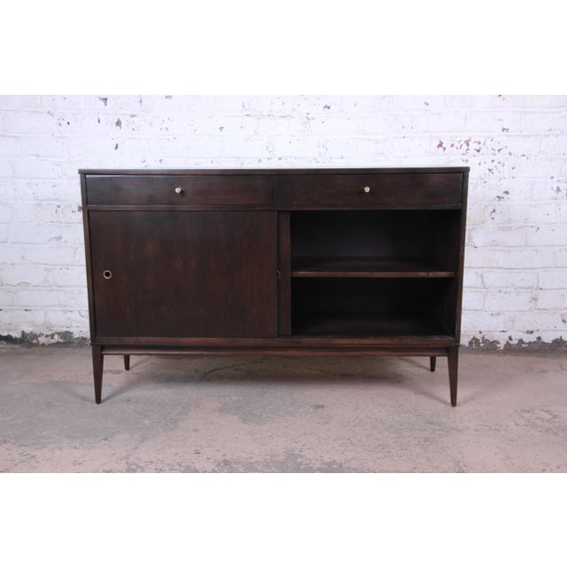 Paul McCobb Planner Group Sliding Door Sideboard Credenza or Record Cabinet For Sale In South Bend - Image 6 of 13