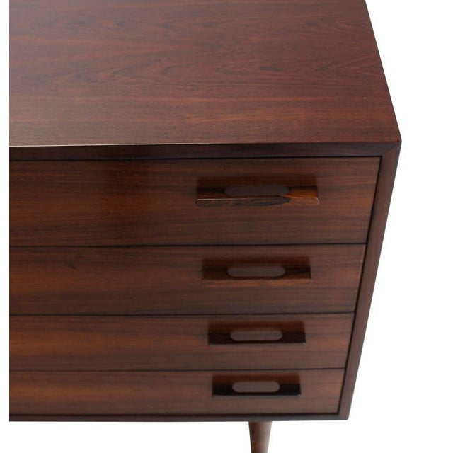 Early 20th Century Nice Four Drawers Mid-Century Modern Rosewood Bachelor Chest For Sale - Image 5 of 6