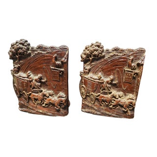 1940's Syroco Wood Western Ye Old Inn Bookends - a Pair For Sale