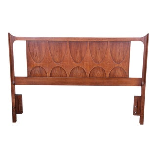 Broyhill Brasilia Mid-Century Modern Sculpted Walnut Queen Size Headboard For Sale