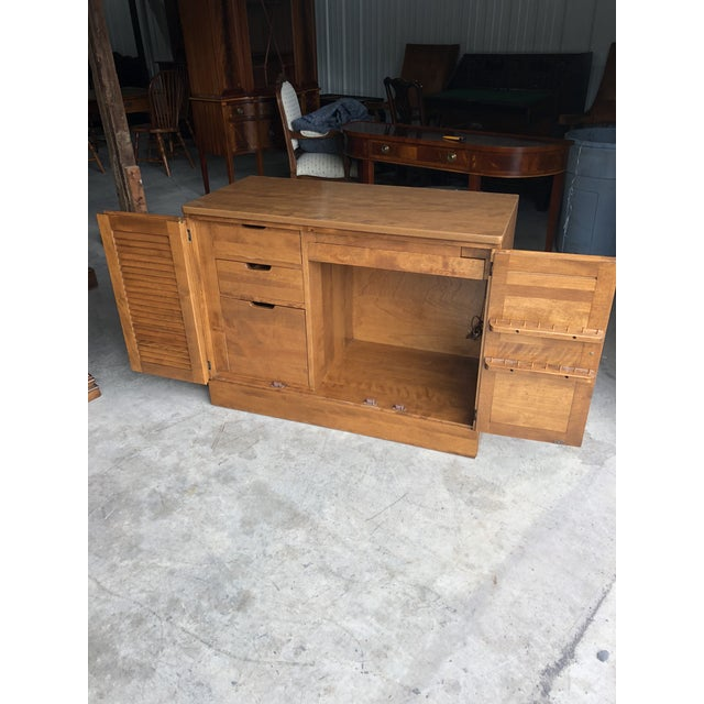 Ethan Allen 1970s Traditional Ethan Allen Heirloom Maple Sewing Center For Sale - Image 4 of 13