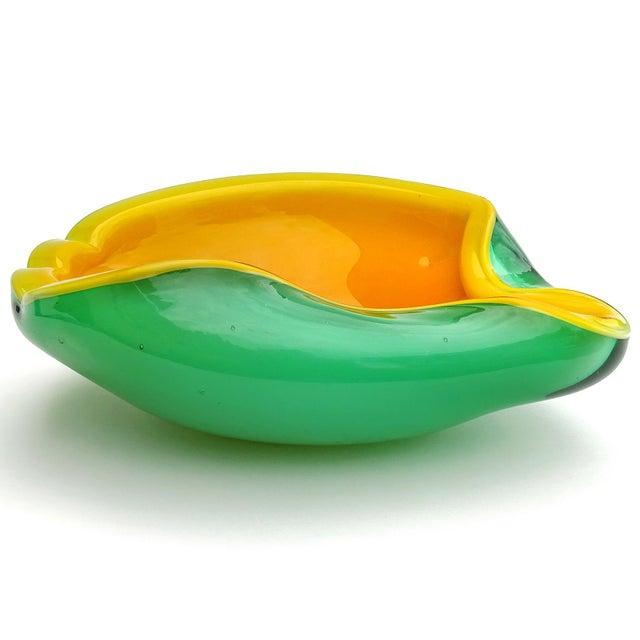 Mid 20th Century Fratelli Toso Murano Vintage Orange Green Italian Art Glass Melon Mango Mid Century Decorative Bowl For Sale - Image 5 of 8
