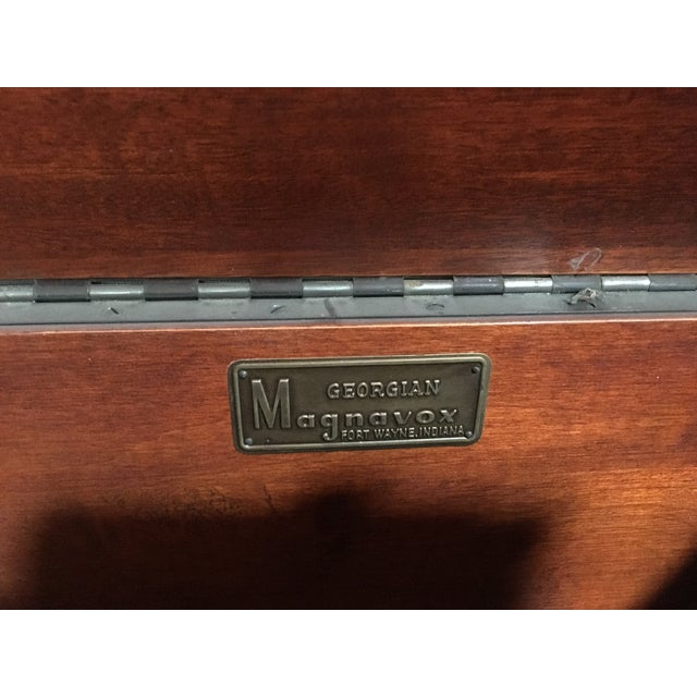 1940s Magnavox Radio and Phonograph Console For Sale - Image 7 of 9
