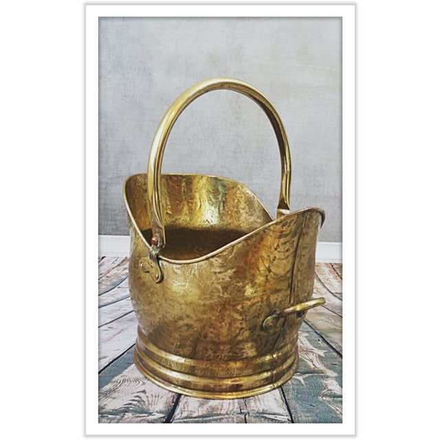 Vintage English Hammered Brass Fireplace Bucket - Image 4 of 11