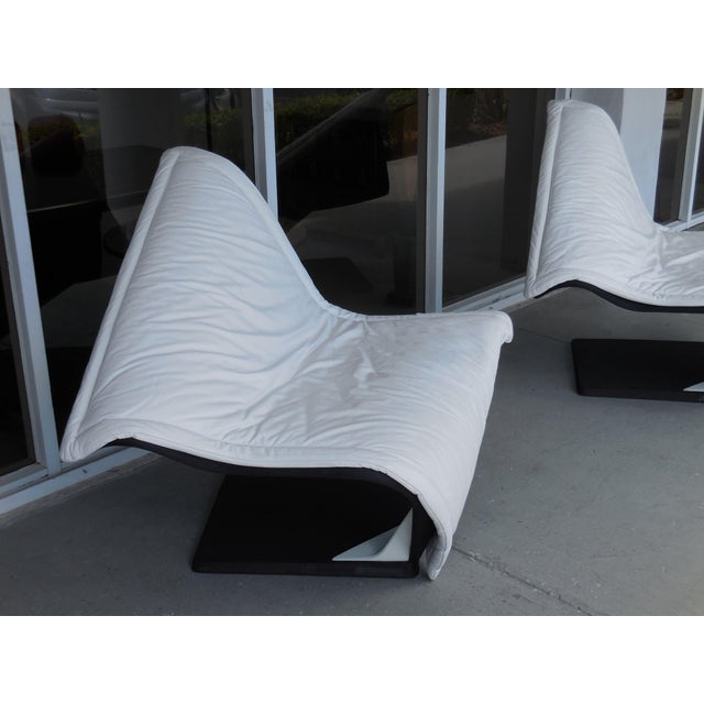 White Flying Carpet White Leather Chairs by Simon Desanta for Rosenthal For Sale - Image 8 of 9