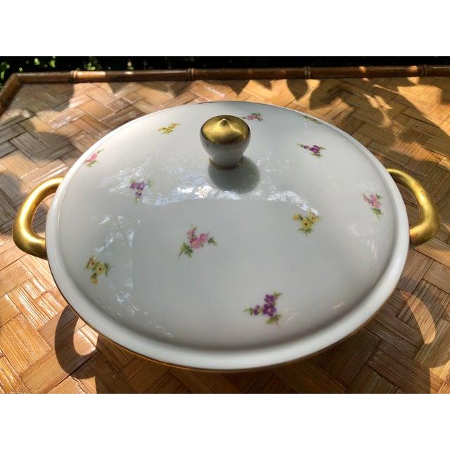 "Mid 20th Century Haviland ""Rose Chintz"" Gilt Floral Porcelain Vegetable Tureen For Sale - Image 5 of 12"