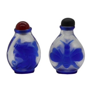 Lot of Two Clear Peking Glass Snuff Bottle With Craved Blue Figures Arts For Sale