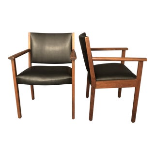 Gunlock Co. Mid-Century Black Leather Vinyl Lounge Chairs - a Pair For Sale