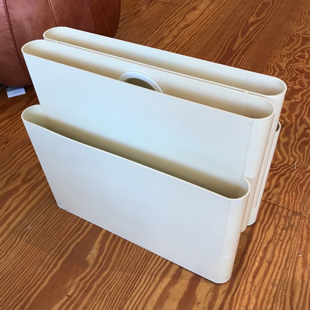 Mid-Century Modern Mod Magazine Rack by Giotto Stoppino for Kartell For Sale - Image 3 of 8