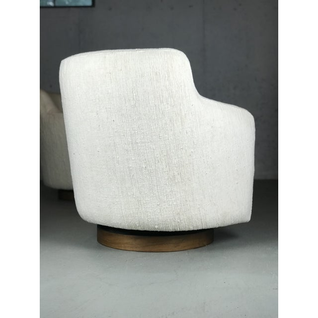 White Designer Swivel and Tilt Lounge Chairs by Milo Baughman for Thayer Coggin For Sale - Image 8 of 11