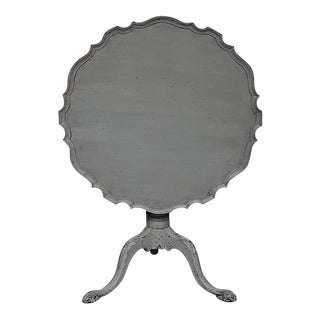 Antique Tilt-Top Table With Pie Crust Edge For Sale