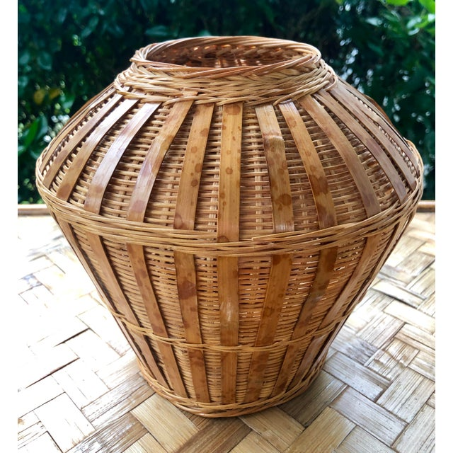 Vintage Mid-Century Natural Woven Wicker Rattan Basket Urn For Sale In Charleston - Image 6 of 9