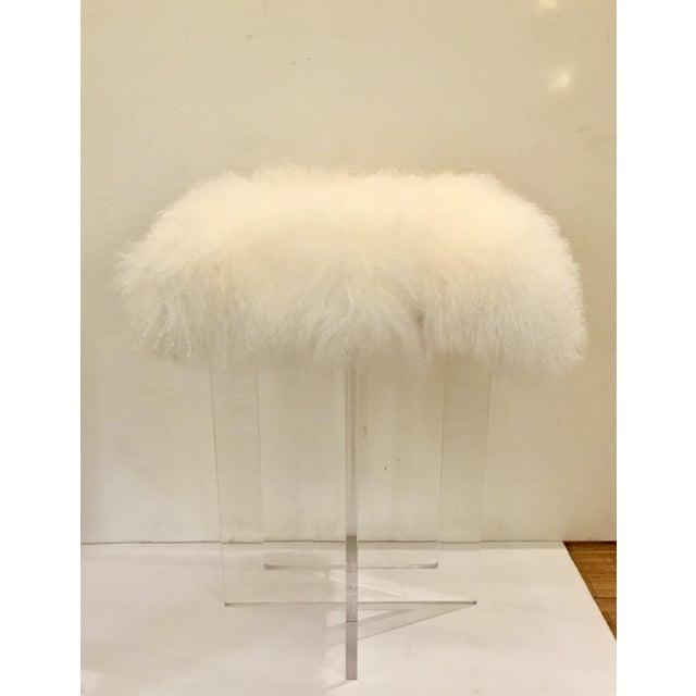 Contemporary Moss Studio Mongolian Sheepskin Stool For Sale In Atlanta - Image 6 of 6