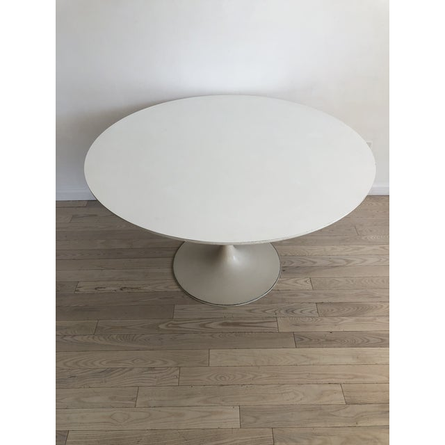 Burke 1960s White Tulip Dining Table - Image 10 of 12