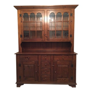 1980s Ethan Allen Country Craftsman Dining Room Buffet With Hutch For Sale