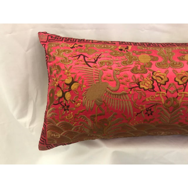 2010s Hollywood Regency Coral & Gold Silk Embroidered Chinoiserie Boudoir Lumbar Pillow For Sale - Image 5 of 10