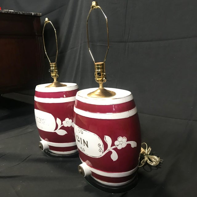 English 1920s Festive British Ceramic Spirit Barrel Lamps - a Pair For Sale - Image 3 of 7