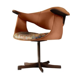 Mid-Century Modern Kodawood Orange Swivel Club Lounge Chair For Sale
