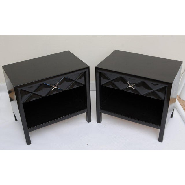 These great newly restored and ebonized mid-century modern John Widdicomb night tables/ end tables/ night stands have the...