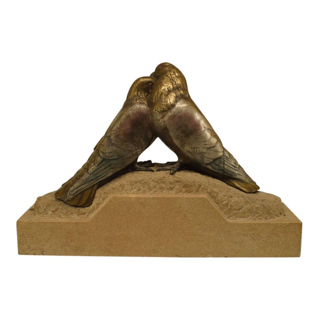 Art Deco Bronze Figure Of Two Pigeons Necking On Beige Marble Base For Sale