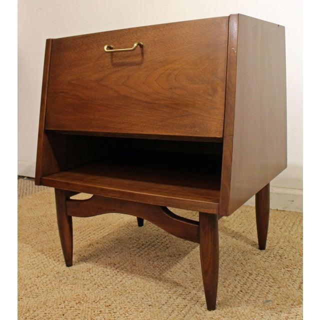 Mid-Century Modern American of Martinsville Merton Gershun Dania Nightstand For Sale - Image 11 of 11