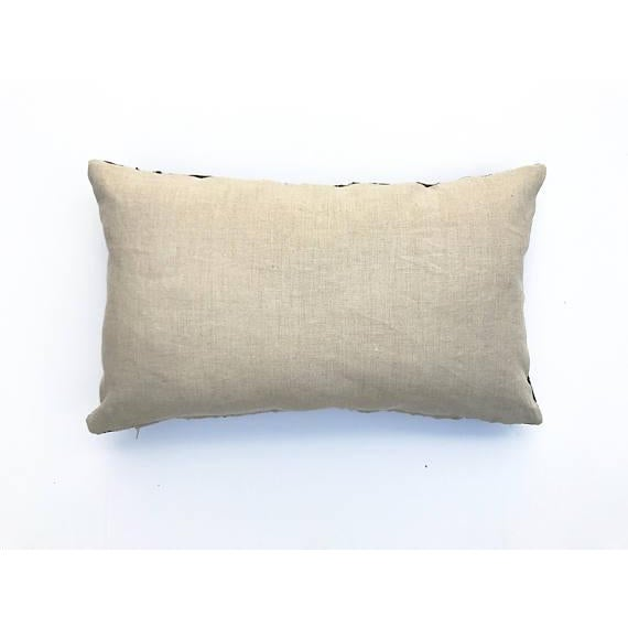 "Mudcloth Pillow Cover - 16"" x 26"" For Sale - Image 4 of 6"