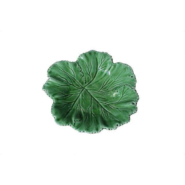 """Americana Vintage Majolica """"Cabbage"""" Dark Green Leaf Salad or Serving Plate For Sale - Image 3 of 9"""
