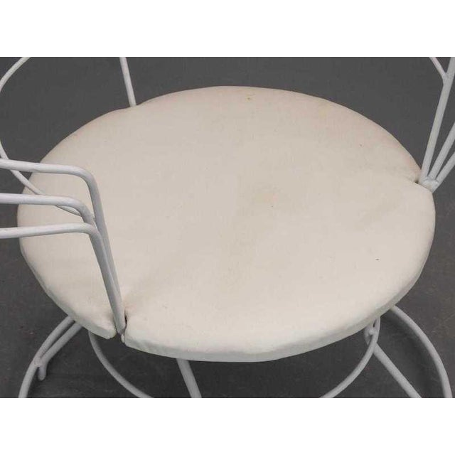 "Abstract Late 20th Century White Wire ""Peacock"" Chair For Sale - Image 3 of 5"