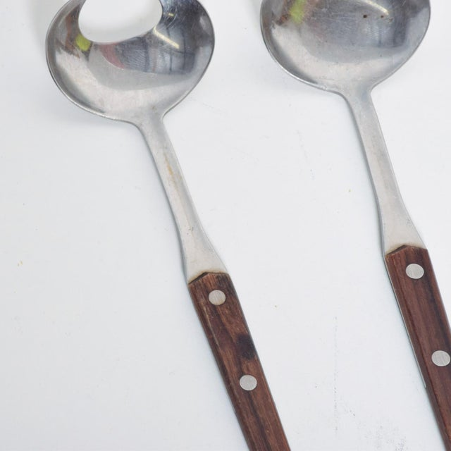 1960s Mid-Century Modern Sculptural Salad Servers in Stainless Steel & Rosewood - Set of 2 For Sale - Image 5 of 9