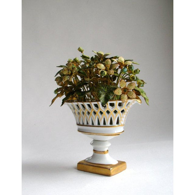 Jane Hutcheson for Gorham French Style Porcelain Flower Arrangement For Sale - Image 5 of 7