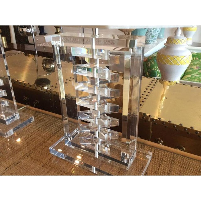Hollywood Regency Lucite Stacked Table Lamps - a Pair For Sale In West Palm - Image 6 of 11