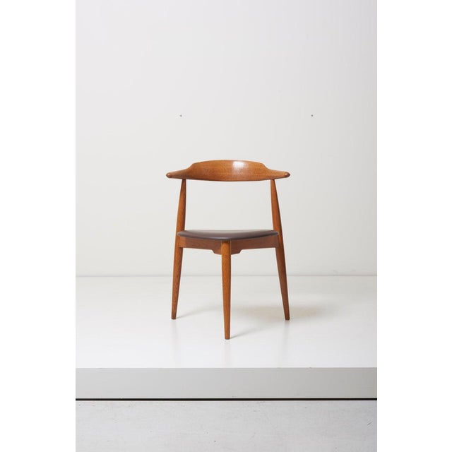 Wood Dining Set With a Table and Six Heart Chairs by Hans Wegner for Fritz Hansen For Sale - Image 7 of 13