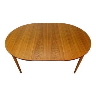 Danish Modern Round teak table with one leaves - Viggo