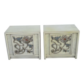 Hollywood Regency Pair of Painted Nightstands Side End Tables 2401 For Sale